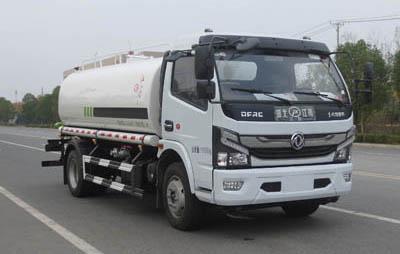 国六东风8吨洒水车