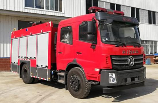 国六东风6吨水罐消防车